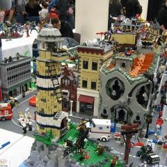 Otro impresionante diorama de LEGO, el apocalipsis zombi