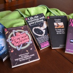35 años de la 'Guía del Autoestopista Galáctico'