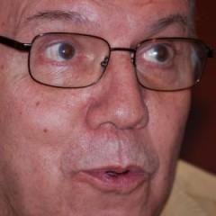 Carlos Giménez presenta su candidatura al Premio Príncipe de Asturias