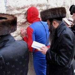 Spiderman peregrina a Jerusalem [Frikada de la Semana]
