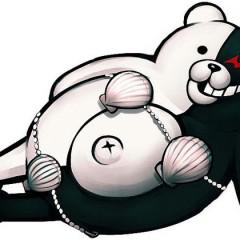 'Super Danganronpa 2', el oso más malvado regresa a PSP luciendo bikini (NSFW)