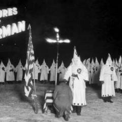 Cuando Superman combatió al Ku Klux Klan