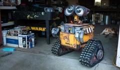 Construyendo a WALL-E de tamaño real